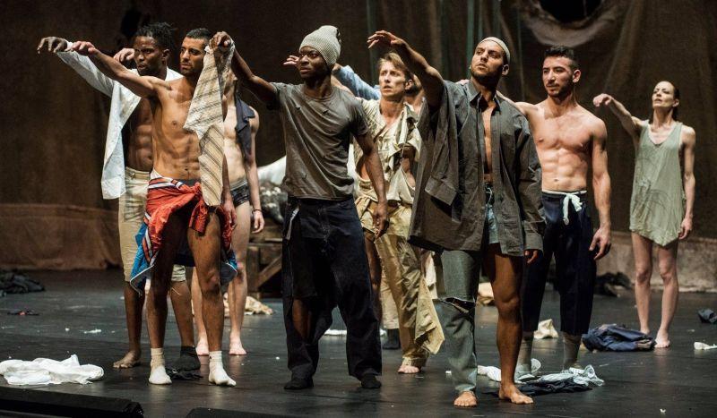 "Alain Platel / ""Les ballets C de la B"" (Belgija) spektaklio ""nicht schlafen"" scena. Dmitrijaus Matvejevo nuotrauka"