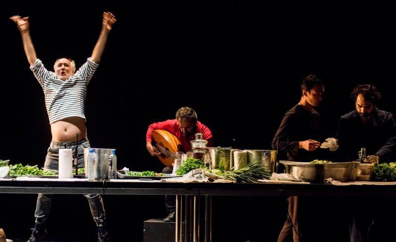 """""""Beytna"""" – spektaklis-šokio, muzikos ir maisto gaminimo ritualas. Dmitrijaus Matvejevo nuotrauka"""