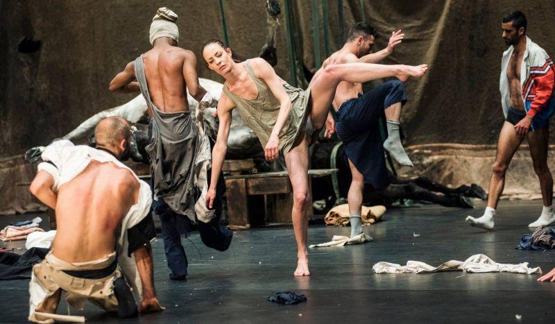 """Scena iš spektaklio """"nicht schlafen"""". Dmitrijaus Matvejevo nuotrauka"""