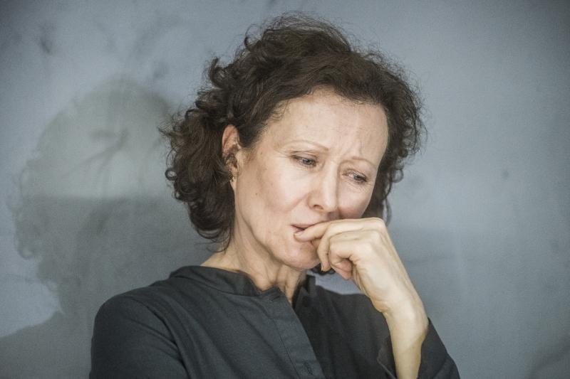 """Nelė Savičenko spektaklyje """"Terapijos"""". Dmitrijaus Matvejevo nuotrauka"""